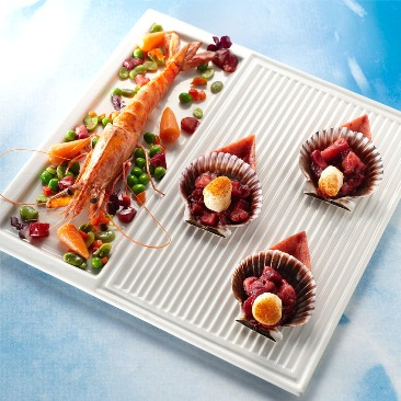 Pan-fried gambas, scallops with blood peach in jelly, mixed fried vegetables and blood peach blinis 2 servings Jean-Jacques BORNE